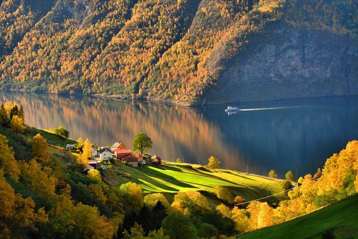 Skjerdal in Autumn colours