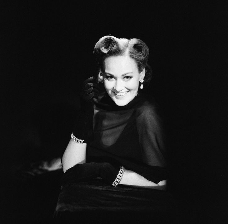 Photography Project Captures YouTube Stars In The Style Of Glamorous Old Hollywood