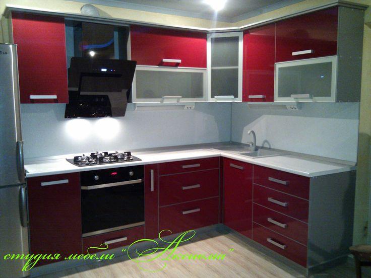 Бордовая кухня в интерьере: фото готовых дизайн-проектов интерьера, кухонные гарнитуры цвета бордо, обои