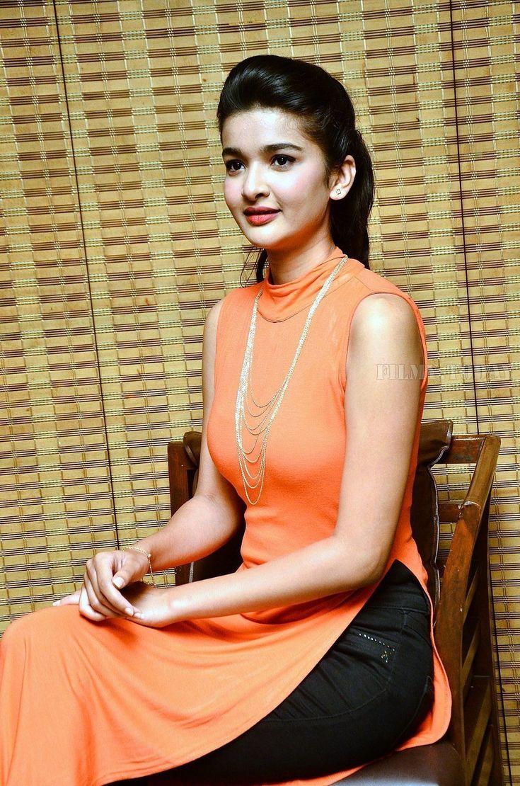 OK Jaanu Comedy series actress HOT & SEXY Krutika Singh Rathore Photos At Barbeque Nation Cake Mixing Ceremony - HD Photos