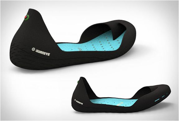Minimalist shoes to the max: Iguaneye-shoes, way cooler than those ugly Vibram 5-toe shoes.