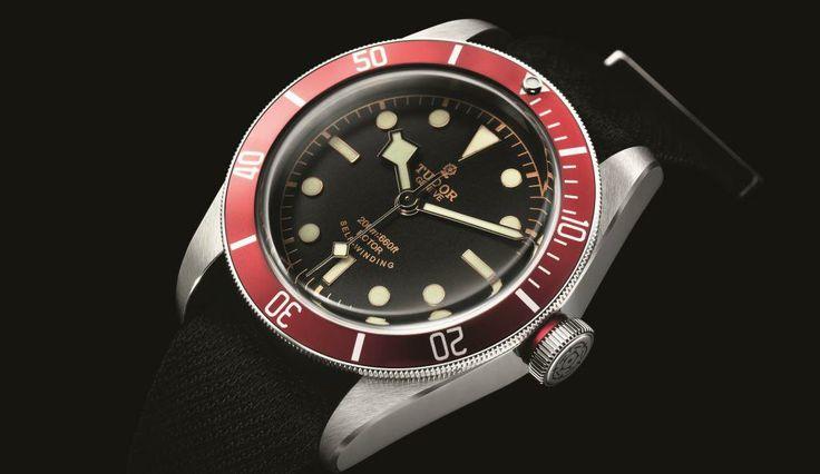 Das Modell Heritage Black Bay ist eine Hommage an die reiche Geschichte der Marke und die Neuinterpretation eines Standards aus den 1950er-Jahren, der die Geschichte der Taucherarmbanduhr bleibend geprägt hat. Das bis zu einer Tiefe von 500 Mete