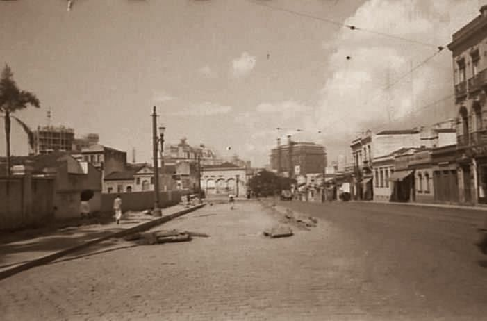 Descrição: Rua da Consolação esquina com a rua 7 de Abril; à esquerda, Igreja de São Miguel Arcanjo / São Paulo do Passado