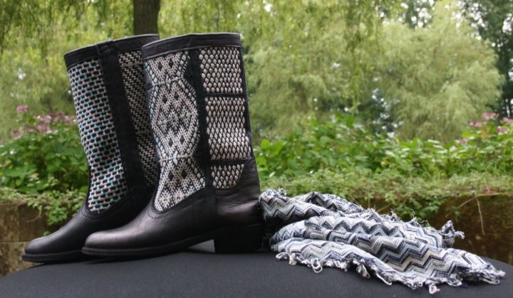 I want a pair of black and white kelim boots!