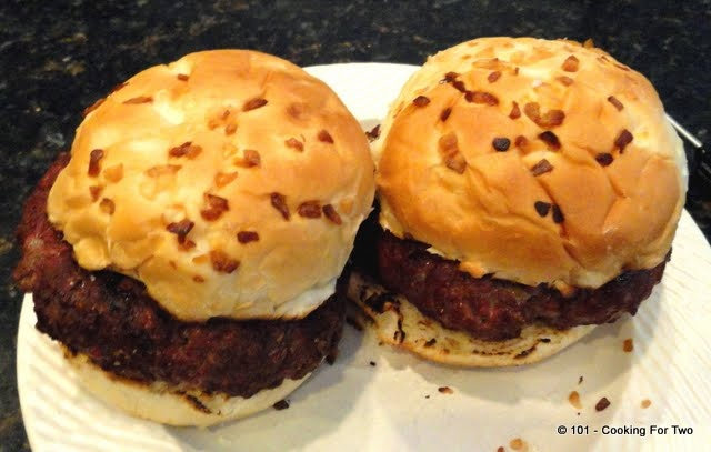 101 Cooking For Two - Everyday Recipes for Two: Healthy Low Fat Burgers