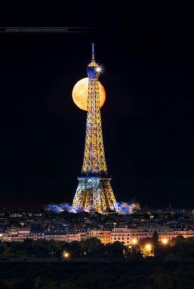 Un soir de Lune sur Paris