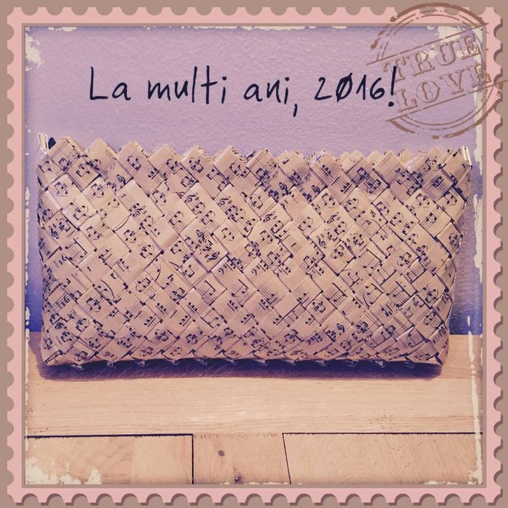 La multi ani! Un 2016, plin de momente frumoase :) www.laviq.ro https://www.facebook.com/pages/LaviQ/206808016028814