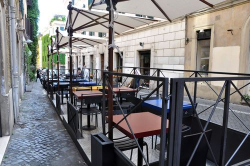 Outdoor seating at LAsino dOro, Sforzas restaurant in Monti, Rome - Need to book a lunch reservation for this place