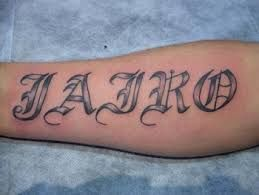 Resultado de imagen para diseños de tatuajes de letras musicales en blanco y negro