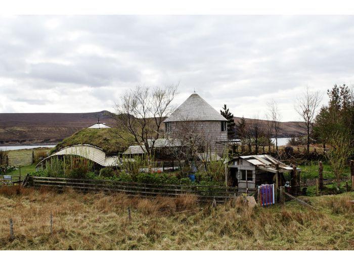 I lille skotsk flække har 80 mennesker fundet alternativt liv   Nyheder   DR