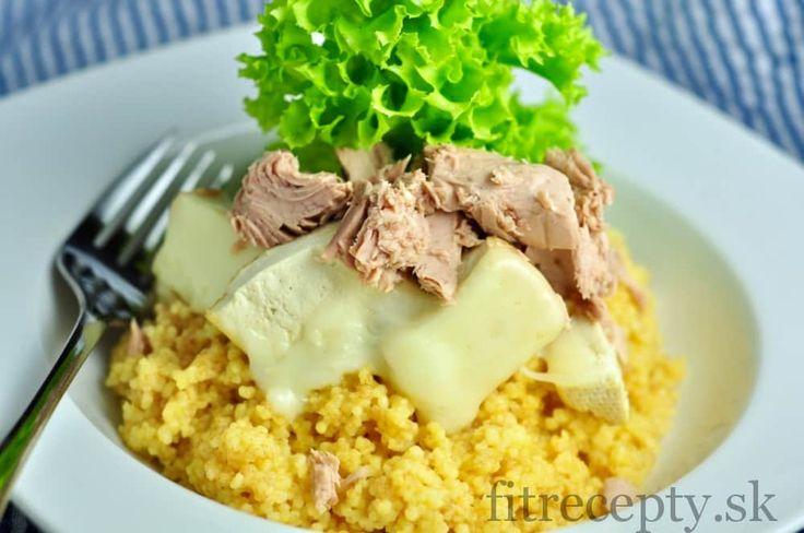 Pochutnajte si na tomto vynikajúcom tofu so zapečeným syrom spolu s dokonale ochuteným kuskusom a tuniakom. Perfektný obed či večera s vysokým obsahom bielkovín, vitamínov a minerálov. Ingrediencie (na 4 porcie): 400g bio tofu (najlepšie údené) 100g strúhanej mozzarelly 2 hrnčeky kuskusu 250g tuniaka vo vlastnej šťave 1 ČL morskej soli kuskusové korenie: 1/2 ČL […]