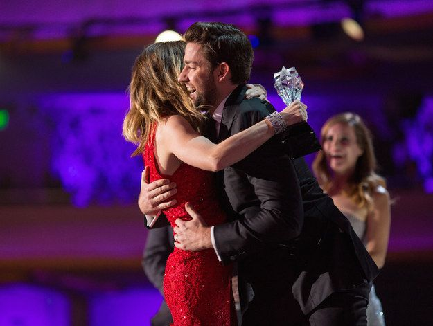 John Krasinski running up from backstage to give a big hug and kiss to wife Emily Blunt after she won Critic's Choice Award #RelationshipGoals