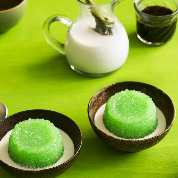 [Sweets] Pandan sago pudding - Tapioca pearls + palm sugar syrup and coconut milk.