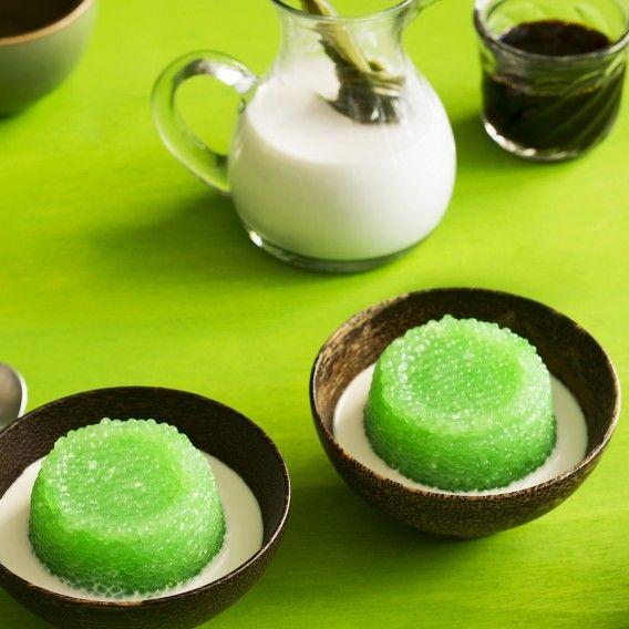 [Sweets] Pandan sago pudding - Tapioca pearls + palm sugar syrup and coconut milk.