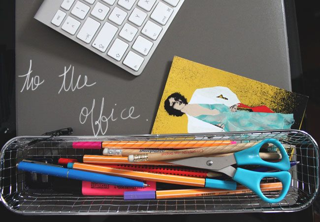 Upcycling ideas: From the Kitchen to the Office. Metal cutlery tray into pencil tray! #Industrial #office #upcycling