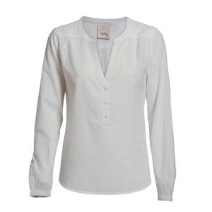Buddah plain classic shirt, white. A light and pretty shirt perfect for spring with a beautiful neckline. Made from 100% GOTS certified organic cotton.