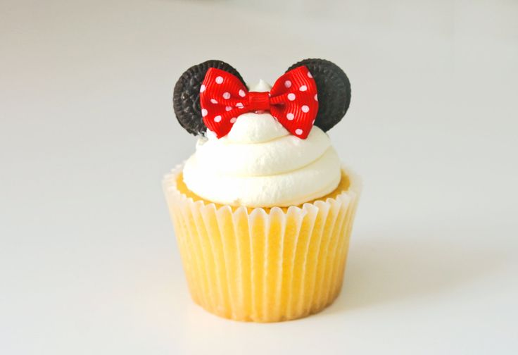 Red Minnie Mouse Cupcake Pick | Polka Dot Bow Cupcake topper | Red Cupcake Decoration | Cute Cupcake Pick by ThePinkBalloonPapery on Etsy
