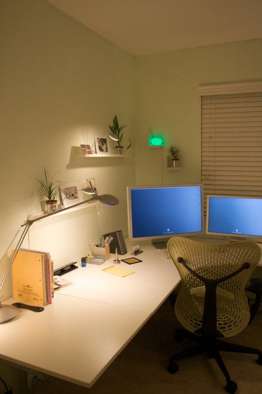 Flickr Finds: Naan's Hong Kong IKEA Office | Apartment Therapy