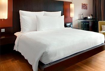 Receive 20% off all Hilton to Home products, including our Hilton Serenity Bed* and bedding, when purchasing our exclusive Morning Blend by The Coffee Bean & Tea Leaf on Hilton to Home! Buy before June 30 here: http://bit.ly/HiltonCBTL  *U.S. only