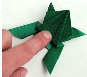Оригами лягушка из бумаги: схема и мастер-класс по сборке