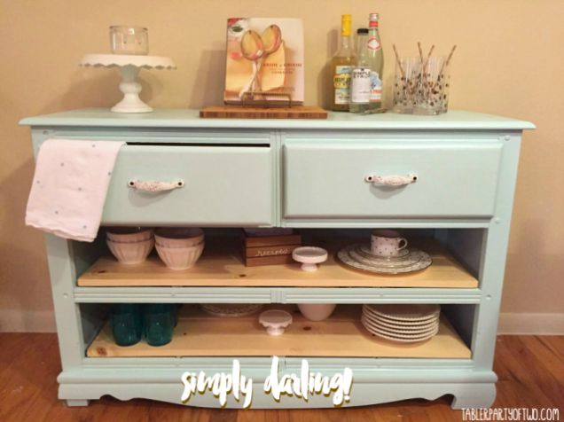Isn't this DIY Buffet darling??! |Tabler Party Of Two | TablerPartyofTwo.com