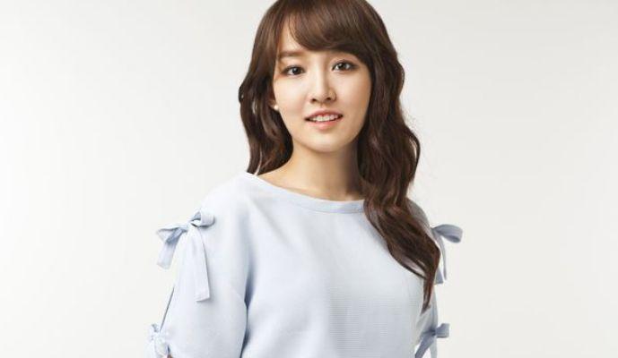 Seoul, Suarapemred.com—Younha kembali meramaikan dunia musik dengan merilis video klip ketiganya pada akhir Oktober 2014 lalu.