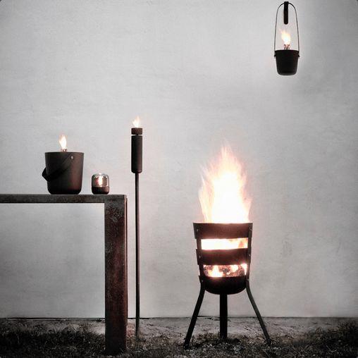 Alt du behøver for at skabe et hyggeligt Sankt Hans aften: Fire Basket, Fire Bucket og Fire Torch fra Menu.