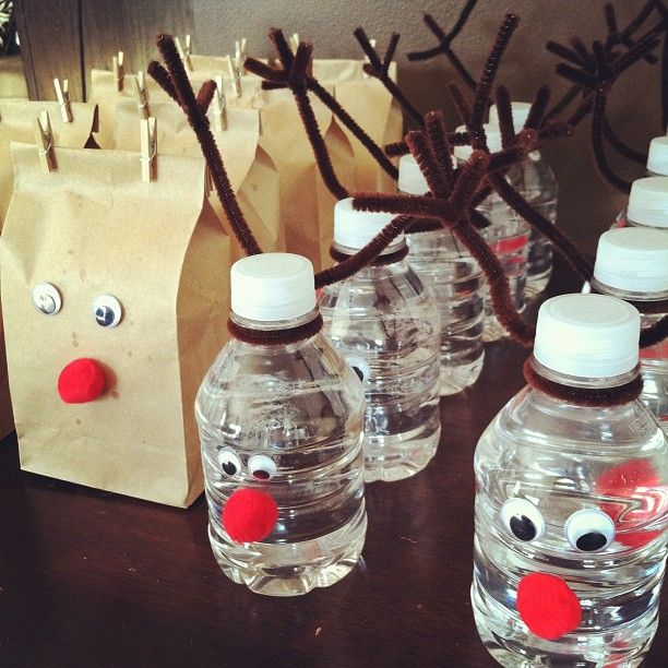 Reindeer water bottles and popcorn bags...would be cute for the Holiday party at school!: Christmas Parties, Holiday Parties, Schools Parties, Popcorn Bags, Reindeer Water, Movie Night, Parties Ideas, The Holiday, Water Bottles