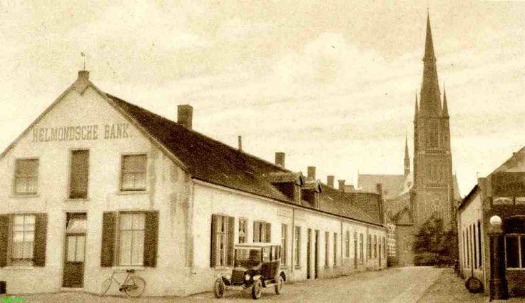 0210124 Coll. chr. Warnar 1920 : Helmondse Bank op de gevel. Korte Kerkstraat nu Marktstraat.