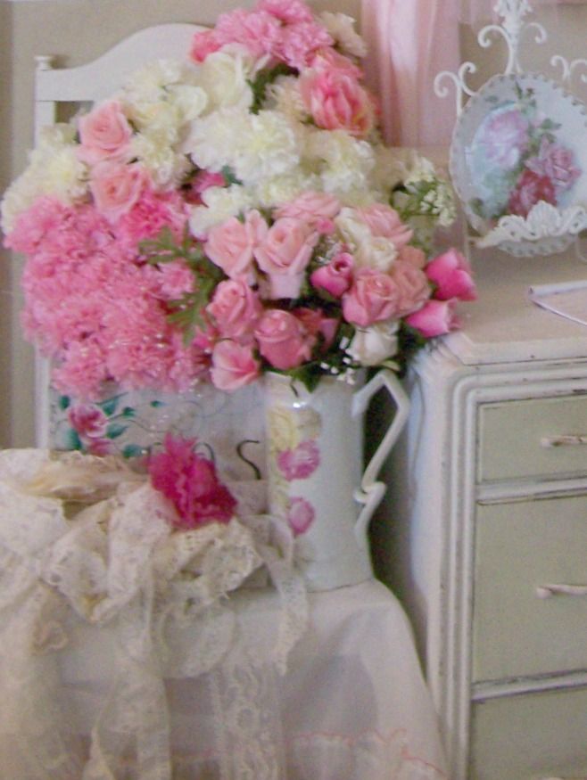 romantic shabby chic decorating ideas shabby chic office. Black Bedroom Furniture Sets. Home Design Ideas