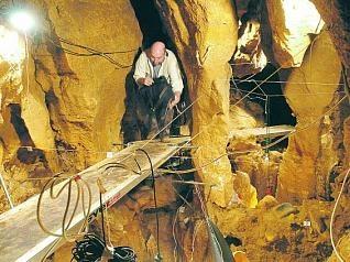 Cuevas del Sidron 49000 años