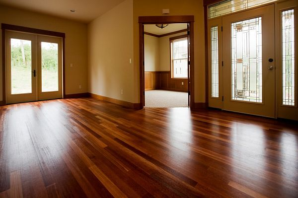 final step to refinishing your wood floors. LEAVES A BEAUTIFUL SHINE ...