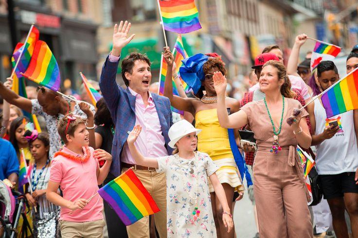 El fin de semana pasado se celebró el Día del Orgullo Gay en diferentes ciudades del mundo. La conmemoración del orgullo de ser tu mismo estuvo marcada por protestas contra los campos de concentración en Chechenia y la participación de políticos como Justin Trudeau. También se rindió homenaje a las víctimas de la disco Pulse …