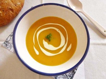 Velouté de carotte et patates douces au lait de coco et curcuma