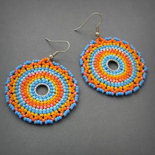 Яркие круглые серьги из бисера, индийские мотивы