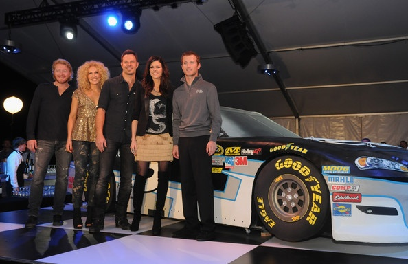 Unveil Of Kasey Kahne Time Warner Cable NO.5 Chevrolet Little Big Town