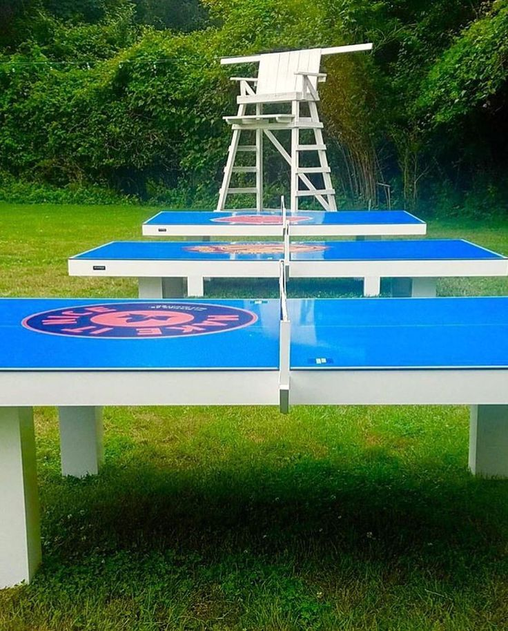 11 Ravens new Malibu Mist outdoor table tennis tables and @elevenmadisonpark are making a great recipe for summer fun in the Hamptons this year. Over 30 colors available. #empsummerhouse #makeitnice #amexplatinum #outdoorfurniture #outdoorpingpong #upyourgame #cus #luxurylifestyle #pingpong #madeinusa