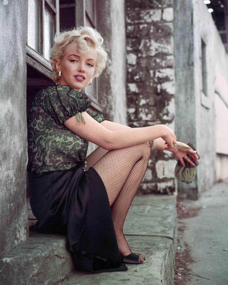 Sabrina blond горничная