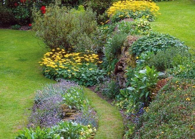 jardin en pente sc ne de rocaille utile et d corative. Black Bedroom Furniture Sets. Home Design Ideas