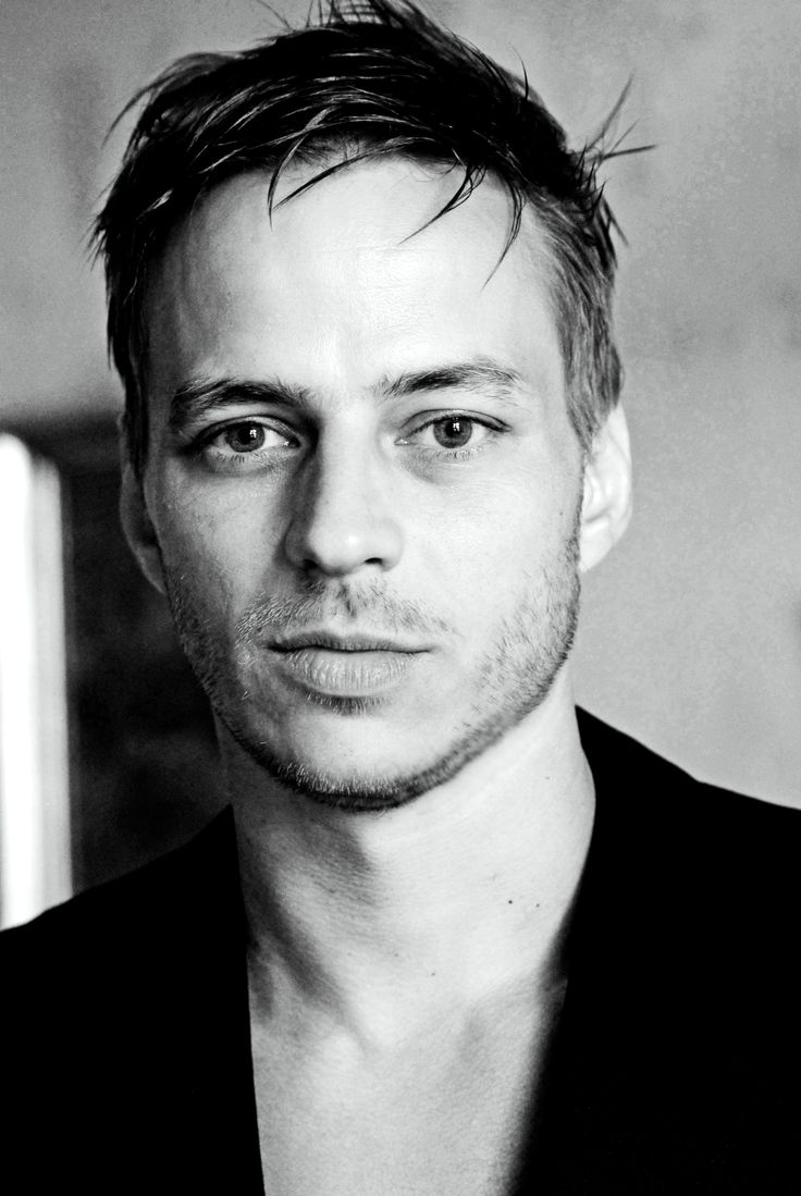 ♥Awesome Celeb, Awesome Actor, Gorgeous Men, Boys Crushes, Man Candies, Tom Wlaschiha, Beautiful People, Game Of Thrones, Favorite People