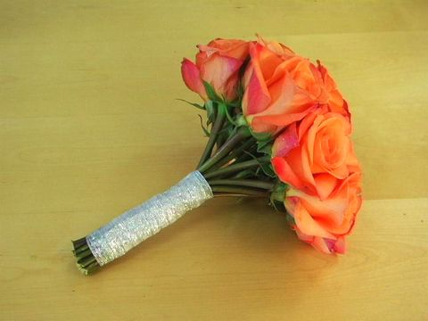 Add A Personal Touch To Your Wedding By Making Own Bouquet Learn How