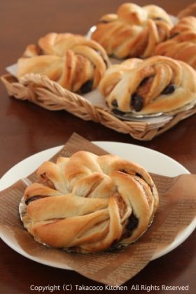 「栗とチョコのねじねじパン」takacoco | お菓子・パンのレシピや作り方【corecle*コレクル】