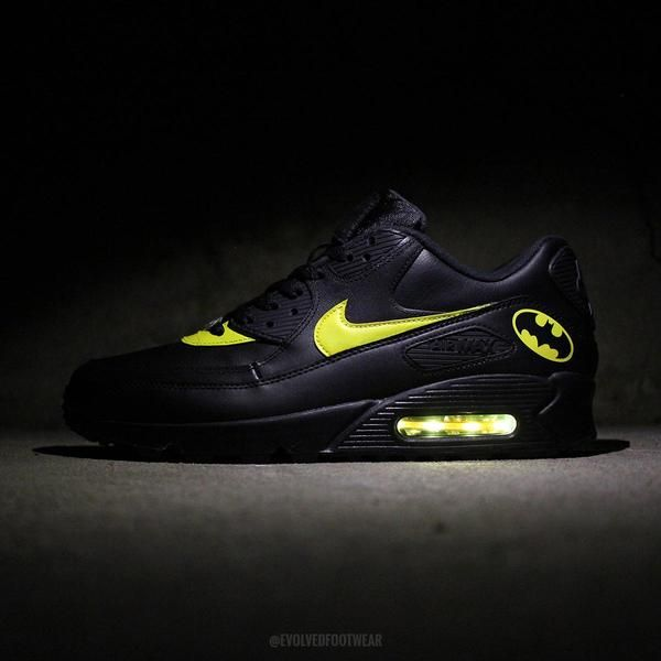 BATMAN NIKE AIR MAX 90 WITH YELLOW LED LIGHTS | air max 90