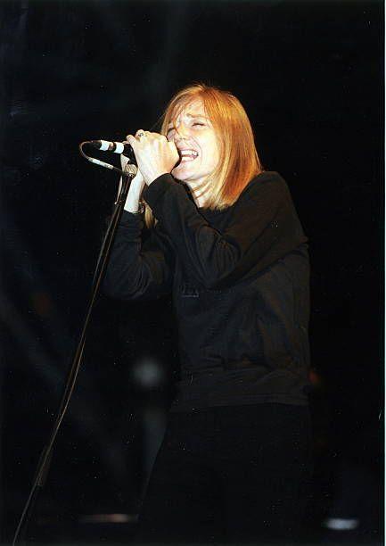 Rockband Grossbritannien Sängerin Beth Gibbons bei einem Konzertwährend des Bizarre Festival in Köln
