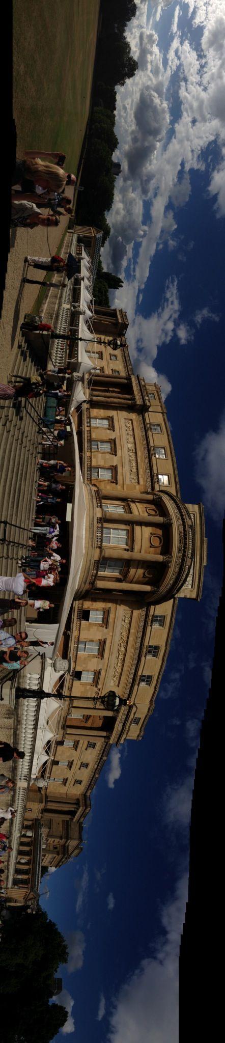 Букингемский дворец!Посетили залы и выставку,посвященную 60 летию правления Королевы!!!