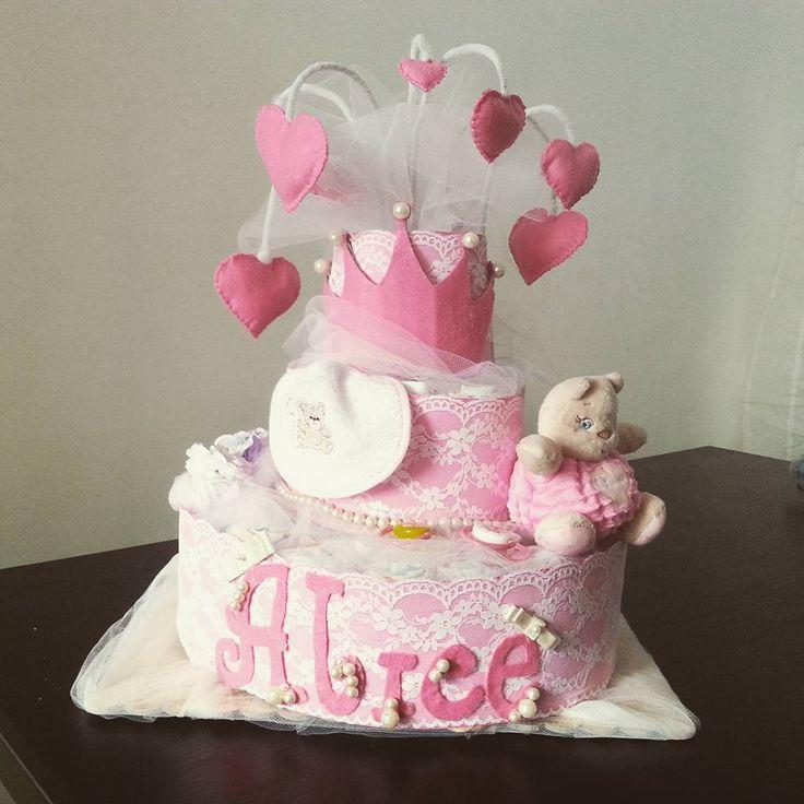 torta Genova Italia bimba femmina rosa pizzo cuori morbidi corona principessa di mamma e papà