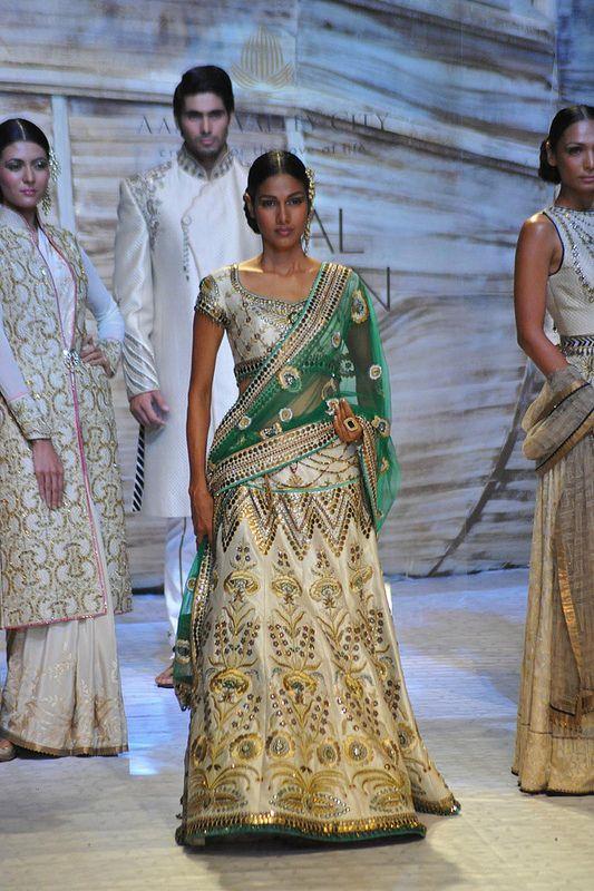 Fashion : J J Valaya @ Bridal Fashion Week 2013, New Delhi