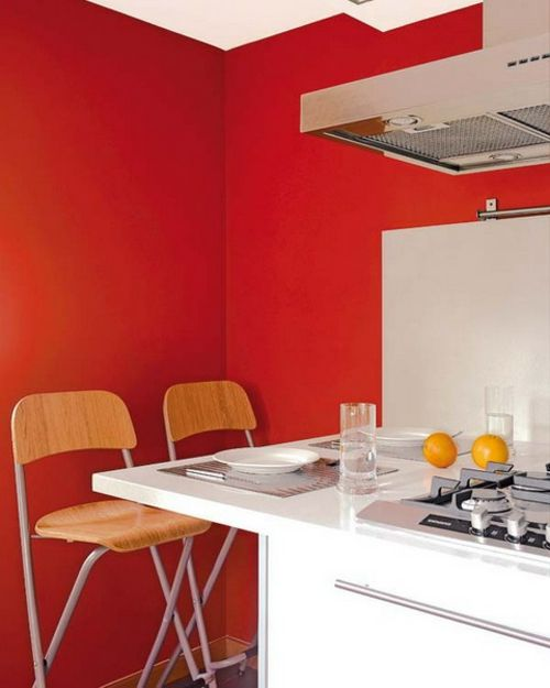 Praktische Esstische Ideen für Ihre Kompakte Küche - rote Wände