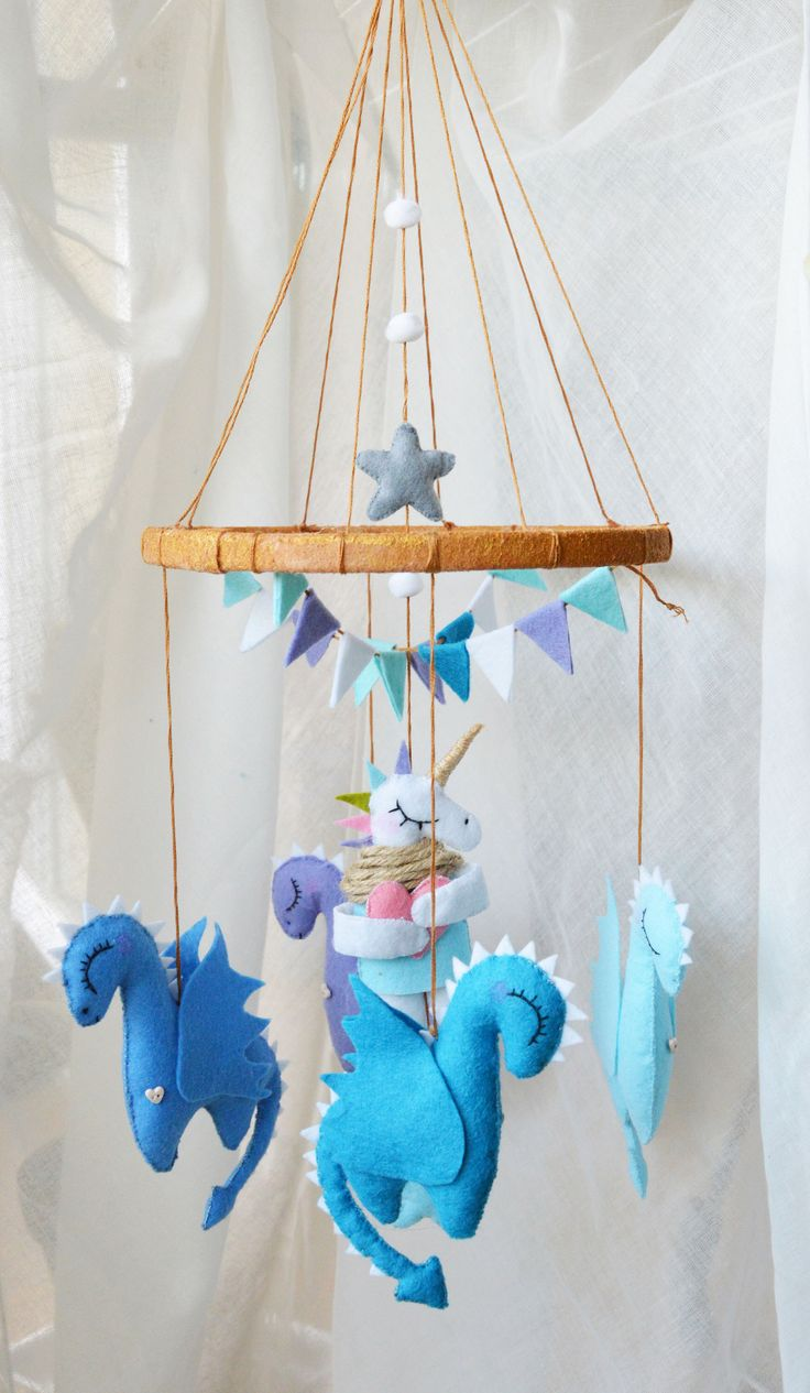 Baby mobile. Dragons mobile. Mother of Dragons. Games of thrones. Unicorn  mobile