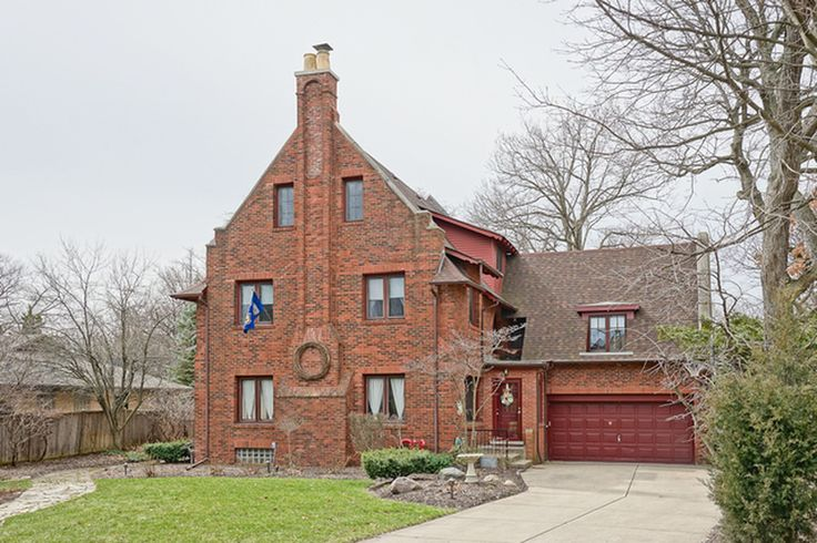 Built in 1924, this old home has received many important updates in the last few years.